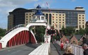 Swing Bridge en Hilton Hotel